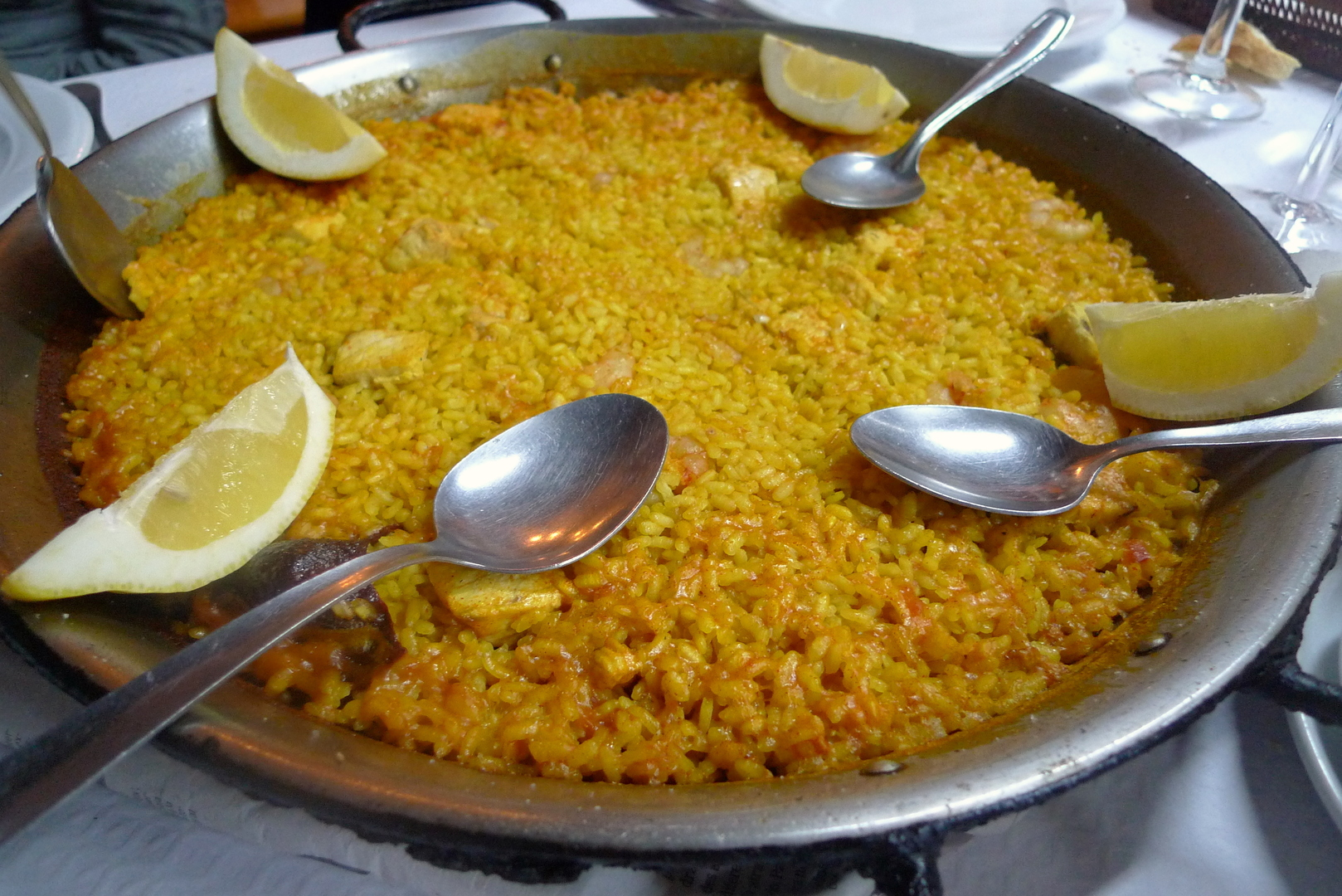 Arroz del Senoret with lemon