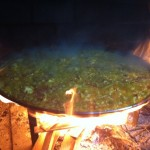 Paella Valenciana au feu de bois