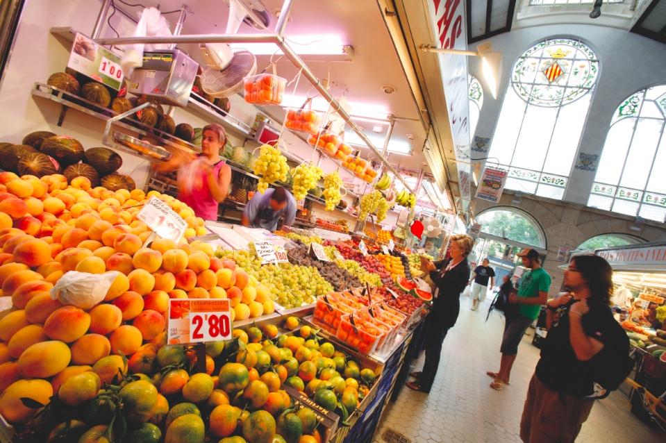 Ingredientes para la Paella en el mercado de Valencia