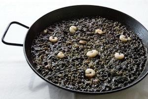 Recette de la pealla de riz noir Arroz Negro